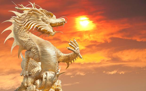 2-giant-golden-chinese-dragon-anek-suwannaphoom